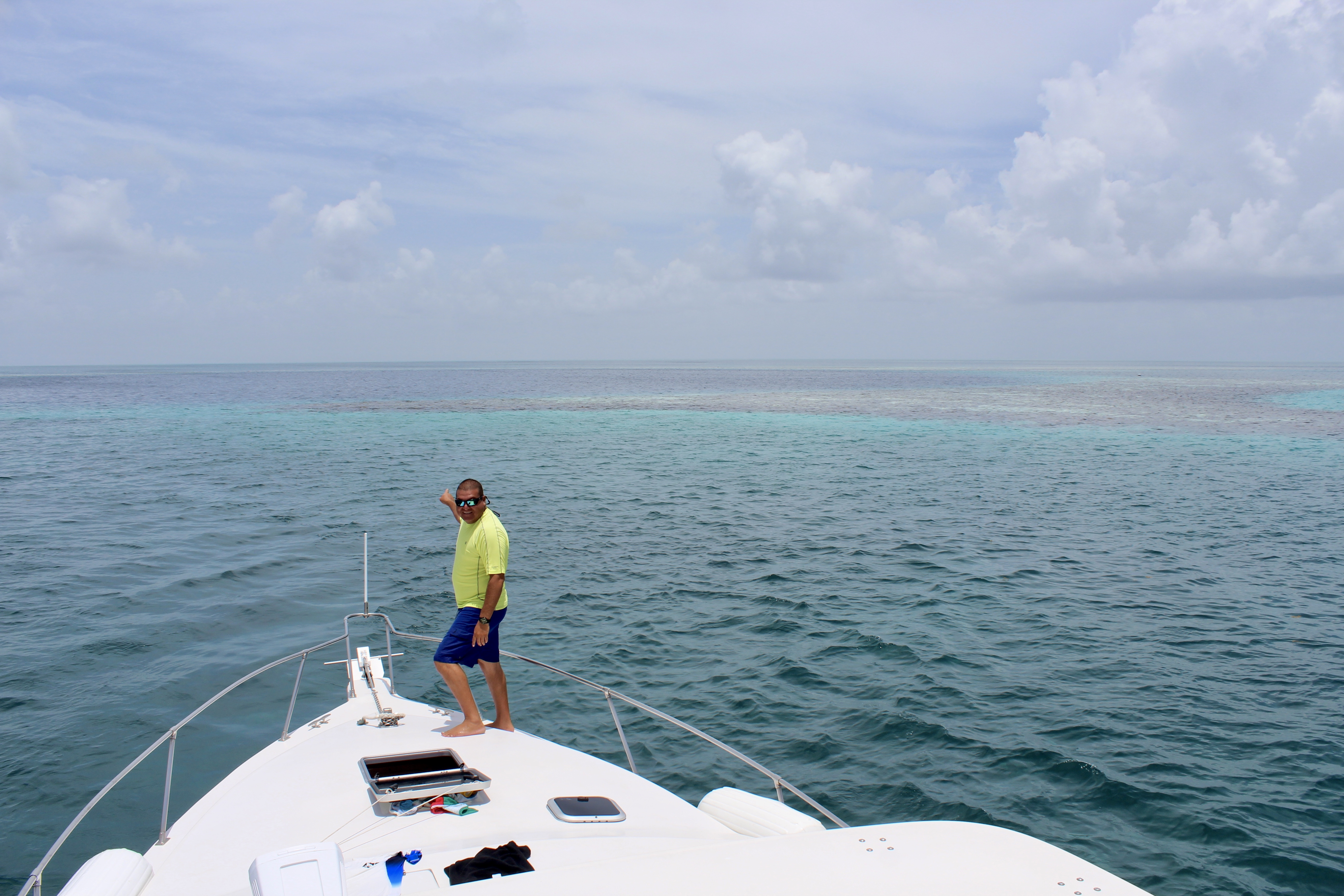 Canary Cove Divemaster Gil Leads Private Excursion to Great Blue Hole of Belize